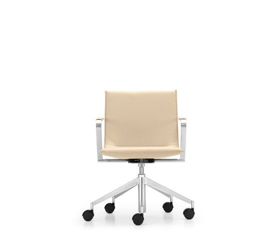 JACK Swivel chair by Girsberger by Girsberger