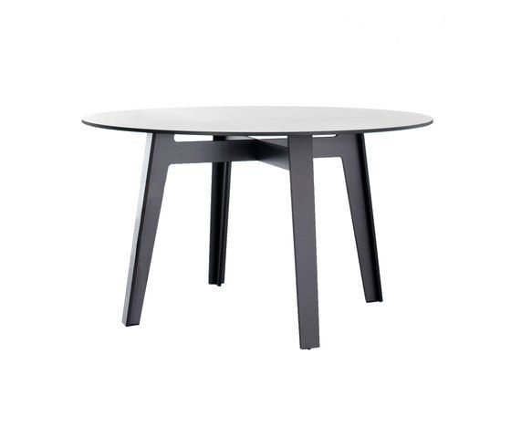 Jig round table by Conmoto by Conmoto