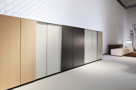 K2 | Gliding door cabinet by Bene by Bene