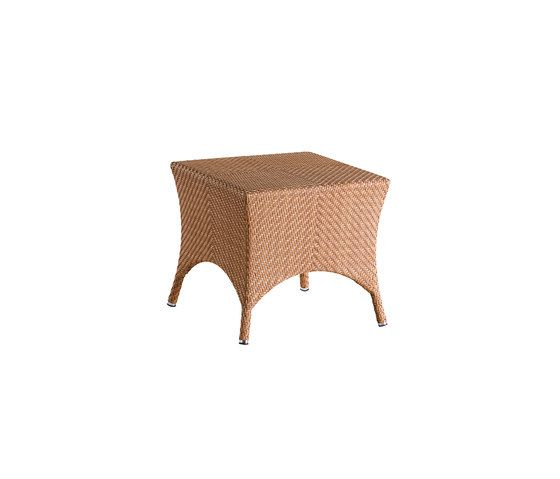 Laredo auxiliar table by Point by Point