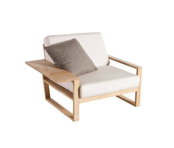 Lineal Armchair by Point by Point