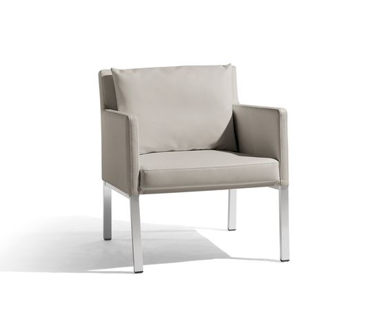 Liner 1 seat by Manutti by Manutti