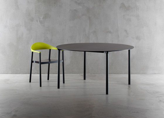 Monza table 9224-01 by Plank by Plank
