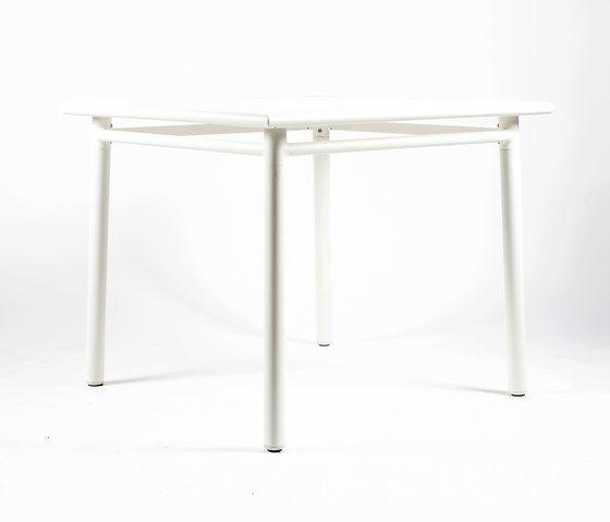 NC8670 Square Table by Maiori Design by Maiori Design