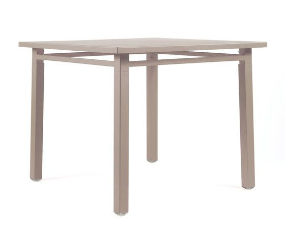 NS9556 Table by Maiori Design by Maiori Design