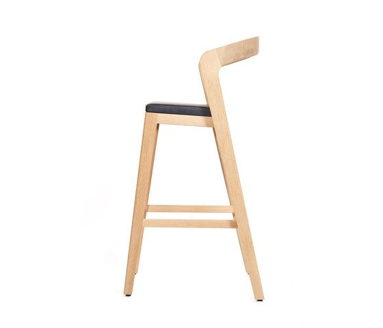 Play Barstool High – Oak Natural Stained with black calf leather cushion by Wildspirit by Wildspirit