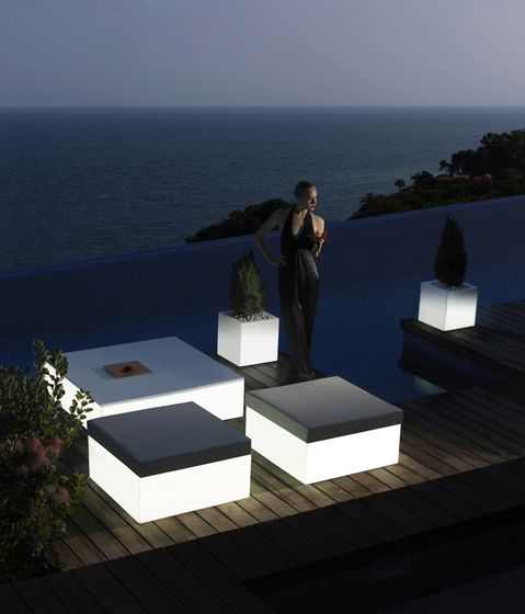 Quadrat Coffee Table - 32 x 80 x 80 cm by Vondom