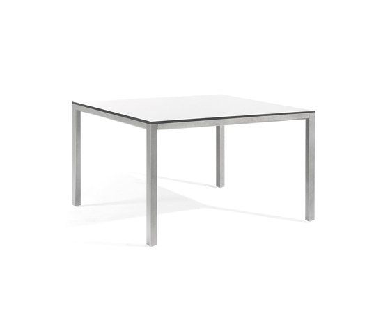 Quarto low square dining table by Manutti by Manutti