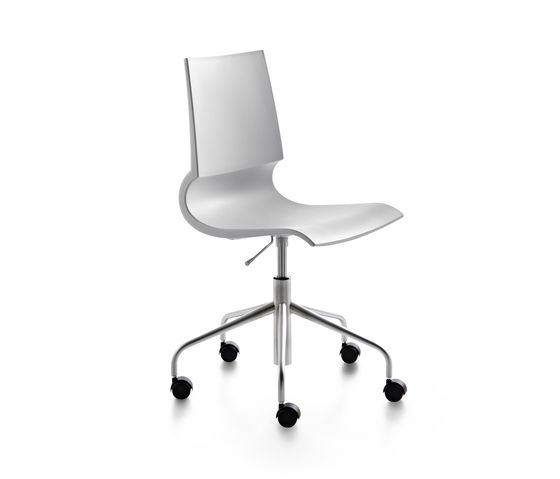 Ricciolina swivel base with wheels and gas lift polypropylene by Maxdesign by Maxdesign