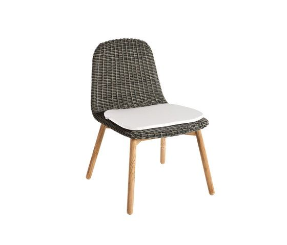 Round Chair by Point by Point