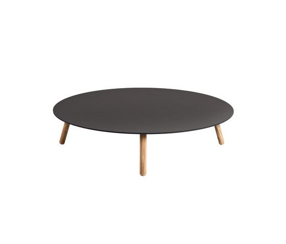 Round Coffee table dekton top by Point by Point