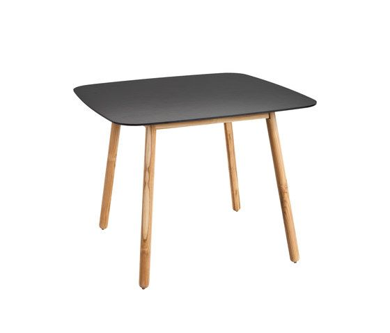 Round Dining table dekton top by Point by Point