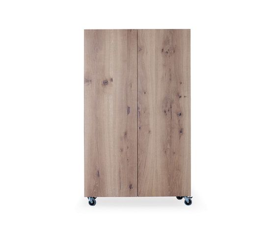 SC 49 Apartment cabinet by Janua / Christian Seisenberger by Janua / Christian Seisenberger