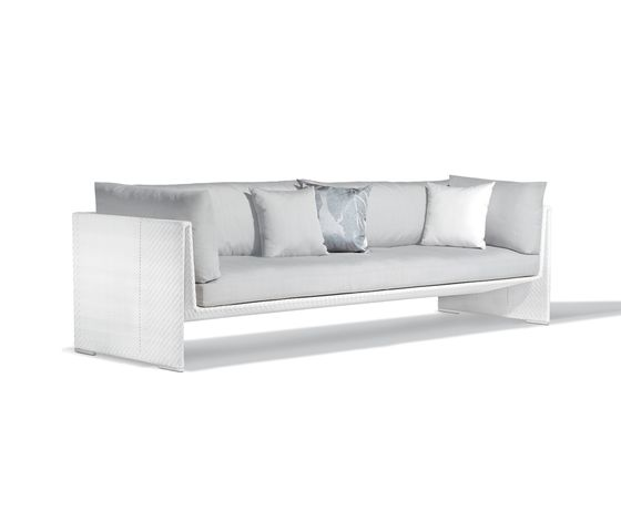 Slim Line 4 seater by DEDON by DEDON