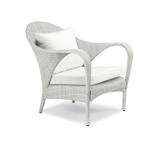 Tango Lounge chair by DEDON by DEDON