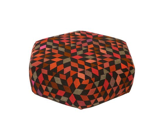 Triangles Pouf Diamond strawberry low by GOLRAN 1898 by GOLRAN 1898