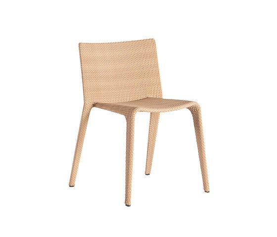U Chair by Point by Point