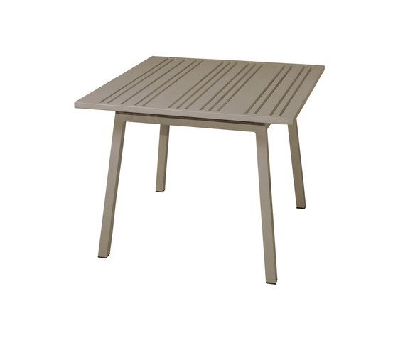 Yuyup bistro table 90X90 cm by Mamagreen by Mamagreen
