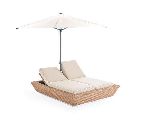 Zoe sun bed with umbrella by Point by Point