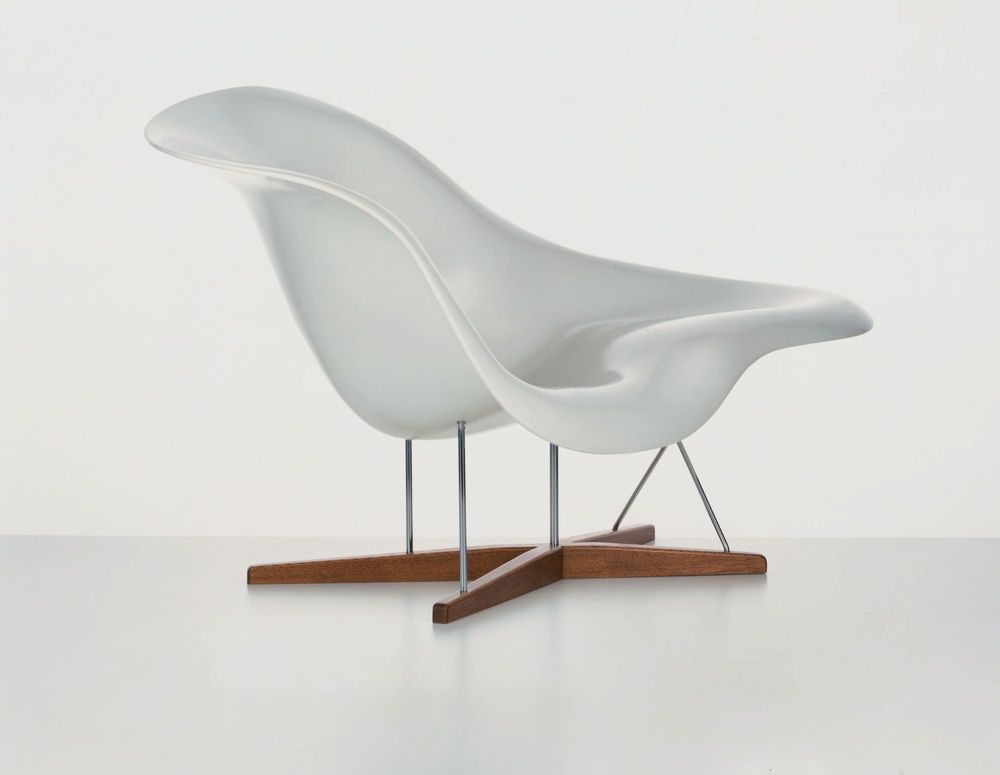 La Chaise by Vitra