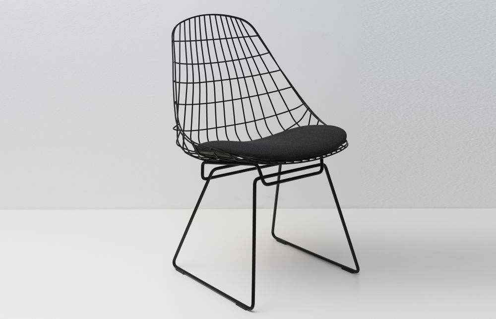 SM05 Dining Chair with Cushion, Night Black Frame by Pastoe