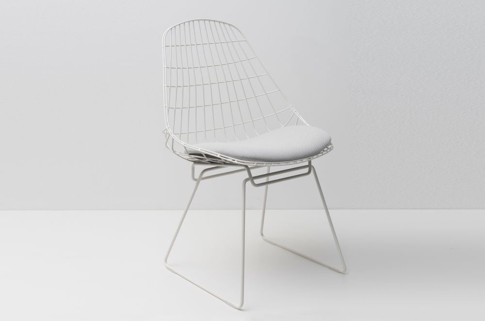 SM05 Dining Chair with Cushion, Paper White Frame by Pastoe