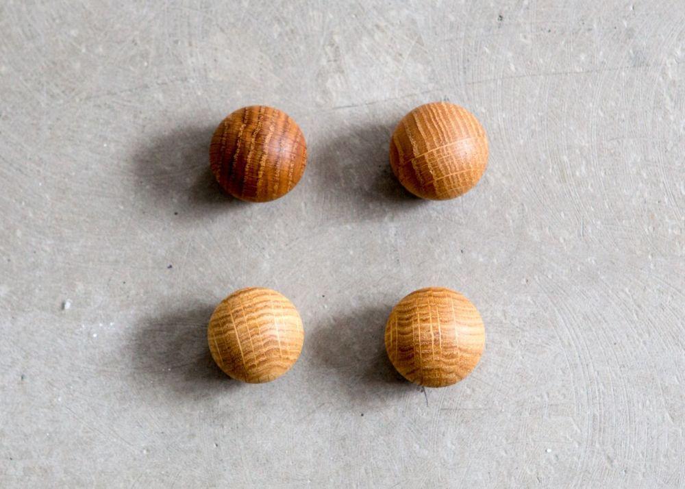 Oak ball by Anne Linde