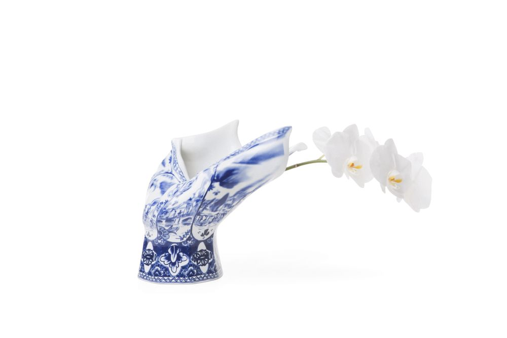 Blow Away Vase by moooi