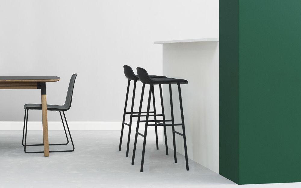 Normann Copenhagen Stoel : Normann copenhagen just chair stoel met verchroomd onderstel