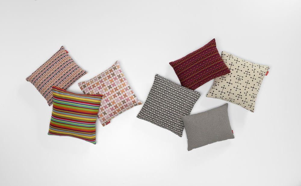 Quatrefoil Classic Pillow Maharam by Vitra
