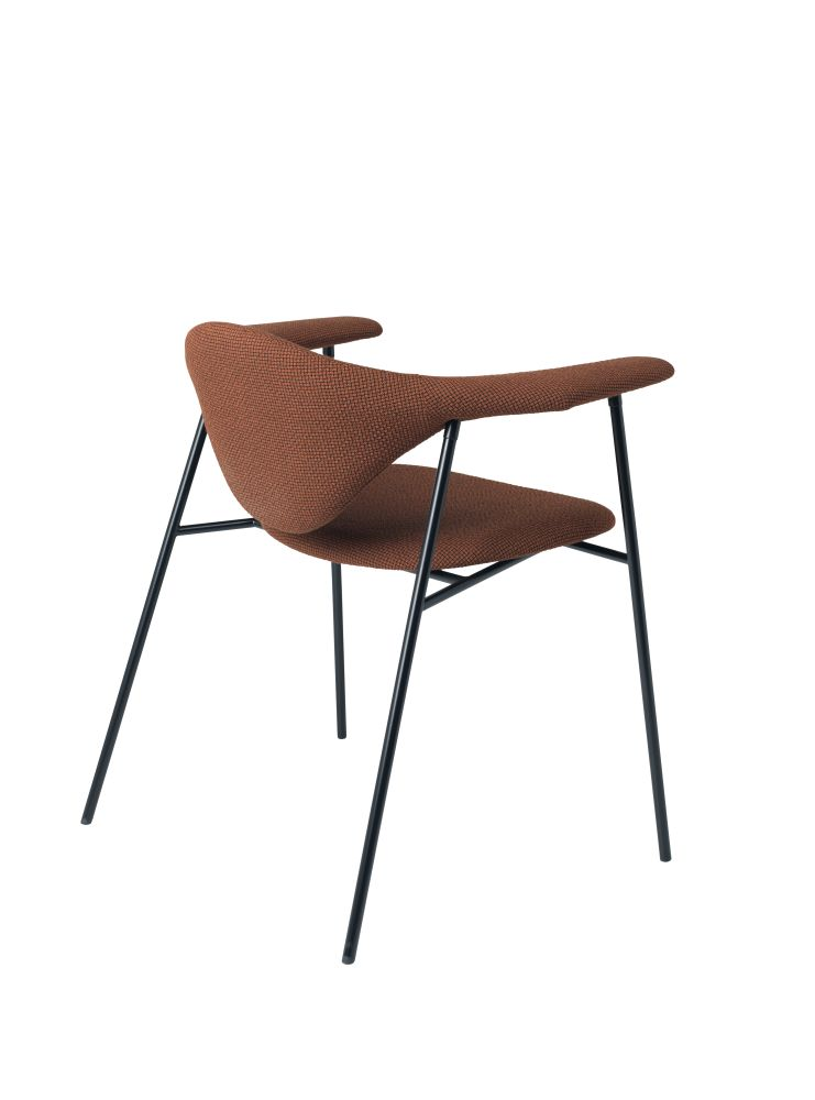 Masculo Lounge Chair by Gubi