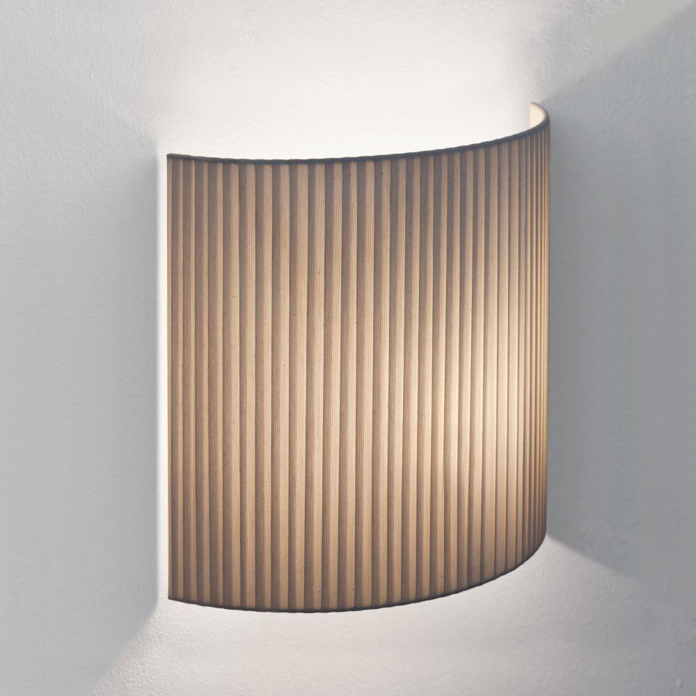 Comodín Cuadrado Wall Light by Santa & Cole