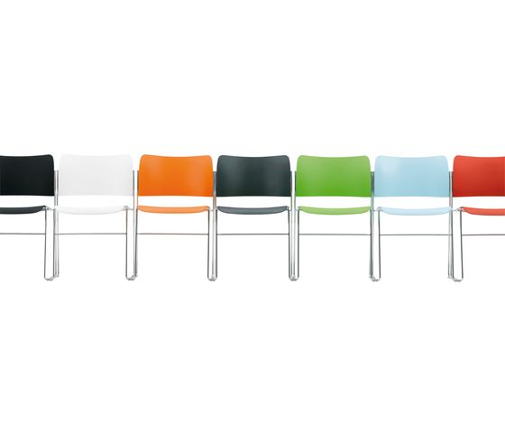 40 4 Chair In Plastic By Howe