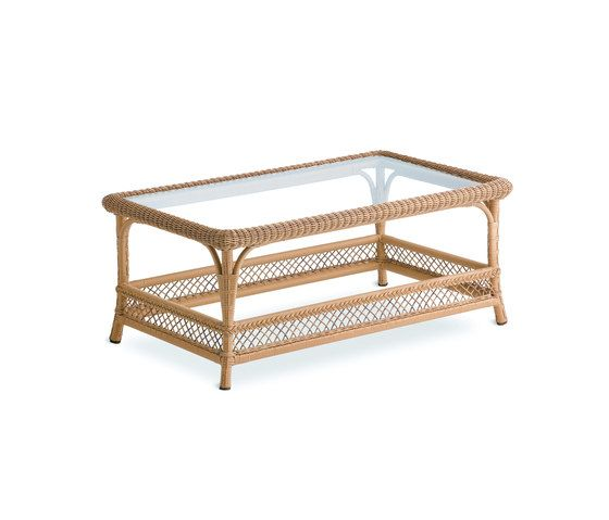 Arena coffee table by Point by Point