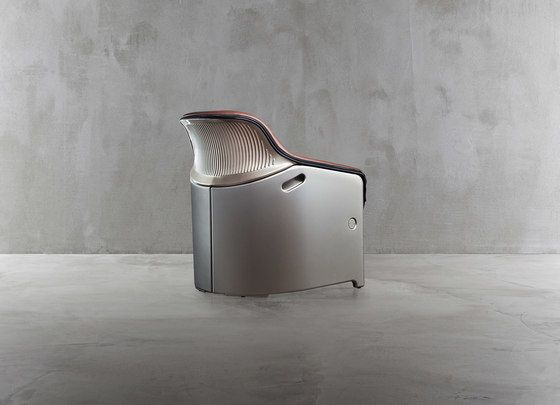 Avus Club chair 1920-12 by Plank by Plank