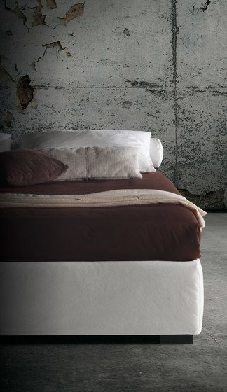 Barbados Sommier H.37 by Milano Bedding by Milano Bedding