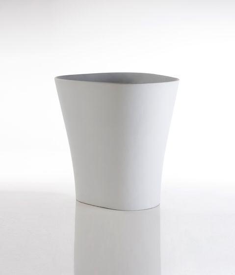 Bones Planter - 108 x 126 x 120 cm by Vondom