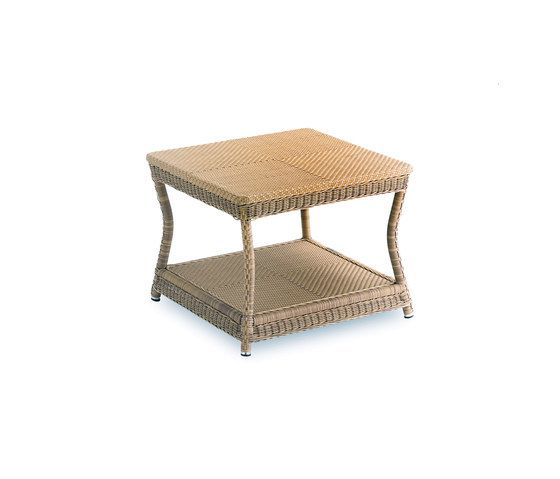 Casablanca corner table by Point by Point