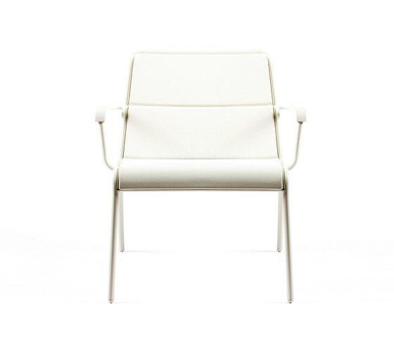 CP9100 Low Armchair by Maiori Design by Maiori Design