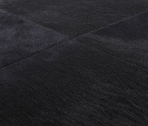 Cuero black, 200x300cm by Miinu