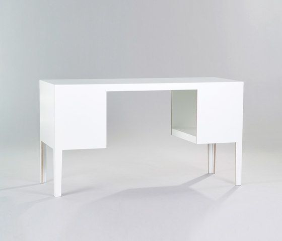 Desk by MORGEN by MORGEN