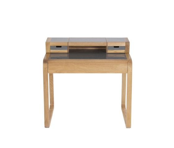 Desk by Red Edition by Red Edition