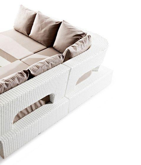 Domino garden corner chair by Varaschin by Varaschin