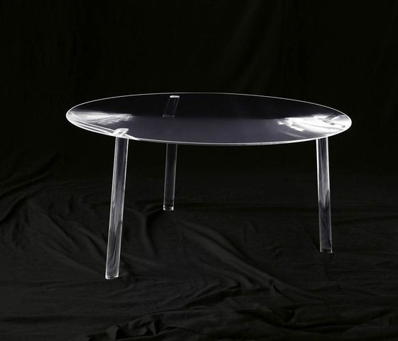 Drop table by Living Divani by Living Divani