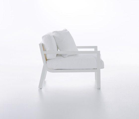 Flat Armchair by GANDIABLASCO by GANDIABLASCO