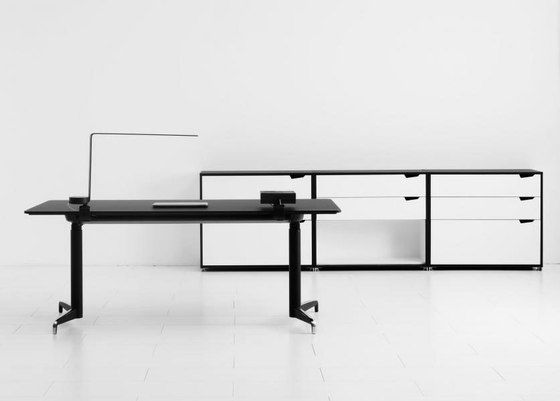 Genese Work desk by Holmris Office by Holmris Office