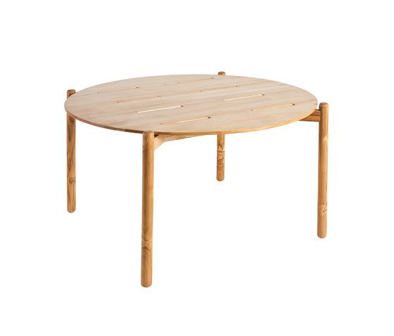 Hamp round dining table by Point by Point