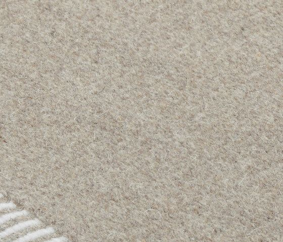 Hickory desert taupe, 200x300cm by Miinu