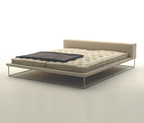 Ile Bed by Living Divani by Living Divani