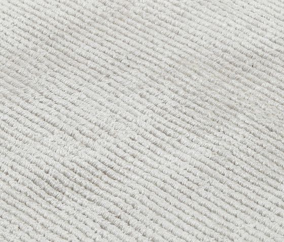 Inspiron feather gray, 200x300cm by Miinu